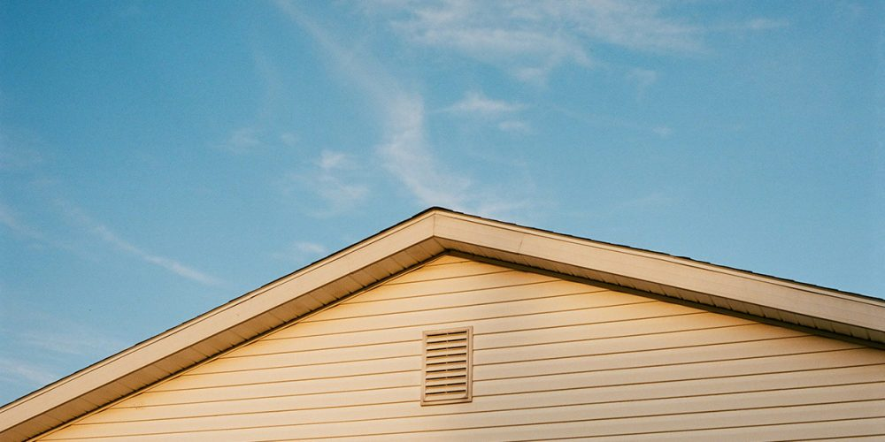 Is Vinyl Siding a Good Investment? Pros and Cons